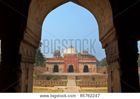 Isa Khan Niyazi Mosque Seen Through Arch, Humayun's Tomb Complex, Delhi, India