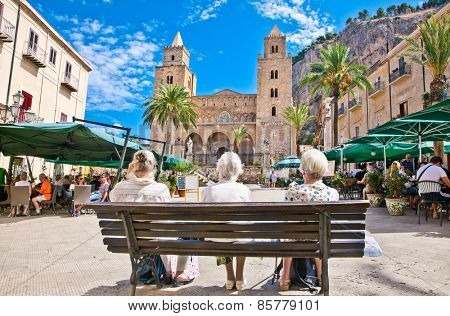 CEFALU, SICILY - SEP 16,2014: Main square on Sep 16, 2014  in Cefalu, medieval city of Sicily, Italy. It situated on the northern coast of Sicily, about 70 km from Palermo.