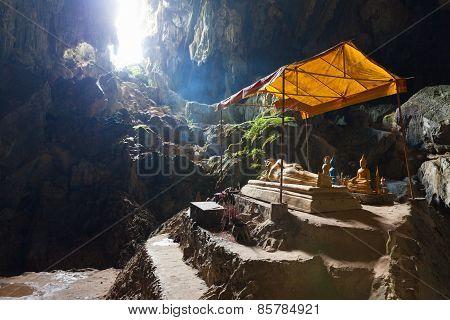 Tham Phu Kham cave, Laos