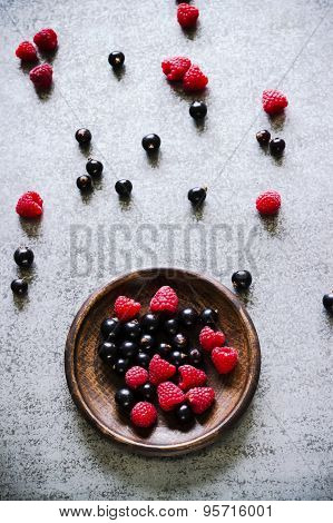 Summer Berries In Brown Ceramic Plate.