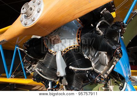 Wooden Propeller mounted on a radial engine