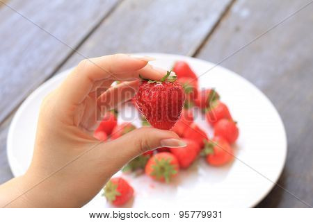 fresh stawberry on hand