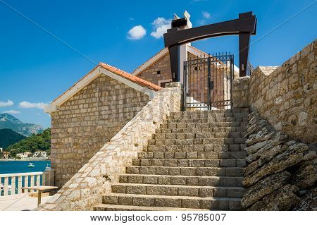 Petrovac medieval fortress entry