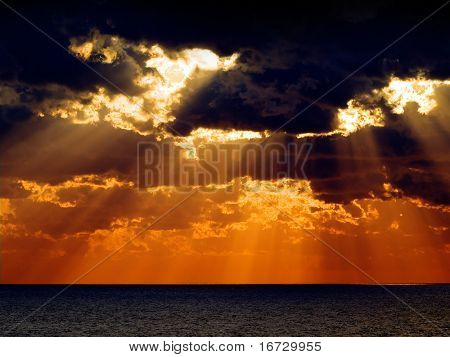 Sonnenaufgang über dem Meer.