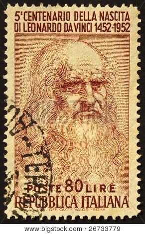 Italien 1952: eine Briefmarke gedruckt in Italien feiert fünften Jubiläum von Leonardo da Vincis b