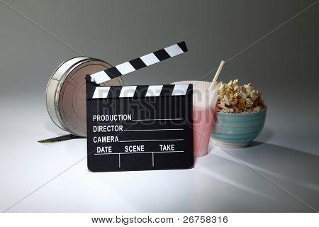 Klappe an der Filmrolle und andere