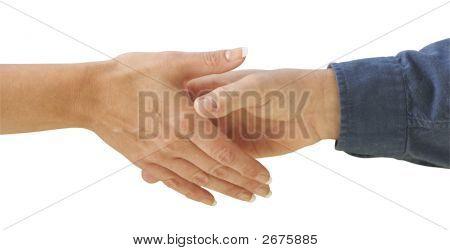 Hombre y mujer estrechándole la mano