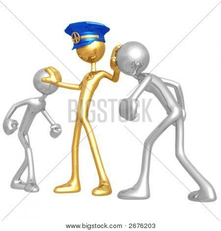 Oro policía manteniendo la paz