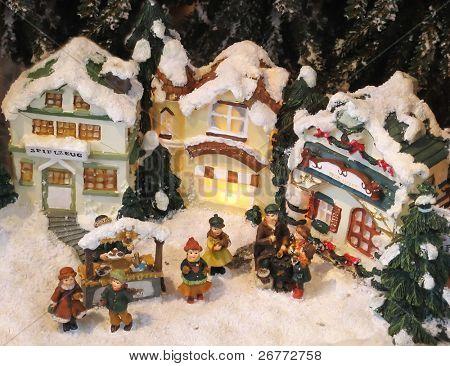 Weihnachtsdekoration (kleine Häuser, mit Schnee bedeckt)