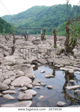Neue Fluss-Wv