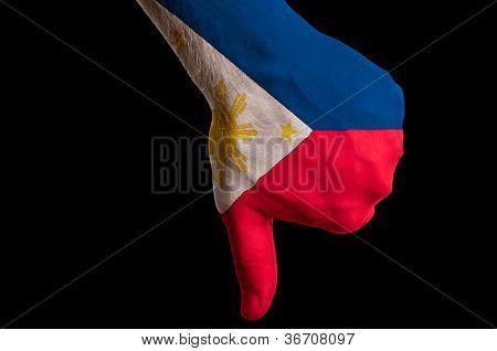 Philippinen Nationalflagge Daumen nach unten Geste für Fehler gemacht mit hand
