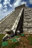 pic of castello brown  - chichen itza the castle in a corner