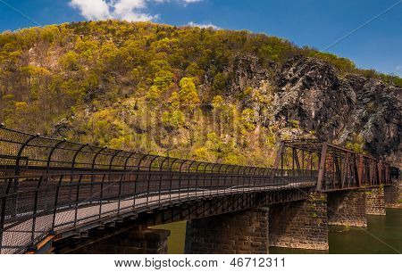 Pedestrian And Train Bridge Over The Potomac River In Harper's Ferry, West Virginia.