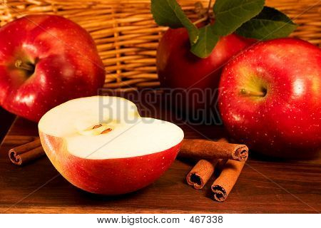 Apples With Cinnamon Sticks