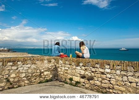 Antibes - Women Relaxing