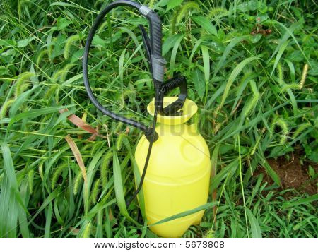 Weed & Insect Control Lawn Sprayer