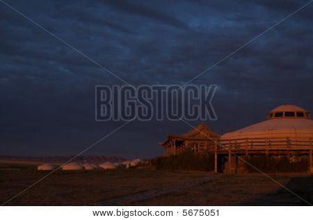 Atardecer en tres camellos Lodge