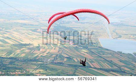 Romanian para-gliders