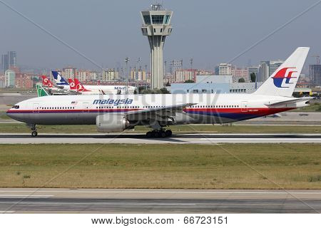 Malaysia Airlines Boeing 777-200 Sister Aircraft Of Plane Missing