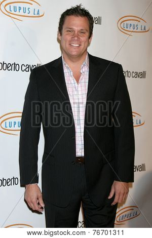 LOS ANGELES - NOV 21:  Bob Guiney at the Lupus LA Bag Ladies Luncheon at the Beverly Hilton Hotel on November 21, 2014 in Beverly Hills, CA