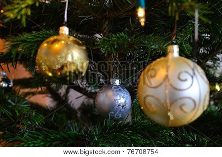Christmas decorations - smaller but nicer