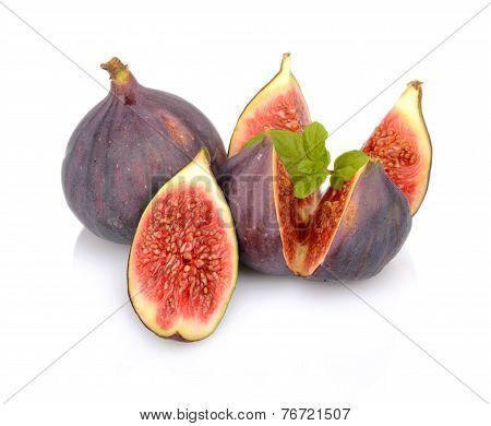 Three Figs With Mint,split Like Flower