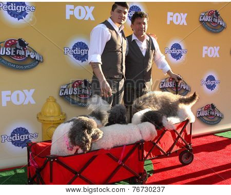 LOS ANGELES - NOV 22:  Olate Dogs, Richard Olate, Nicholas Olate at the FOX's