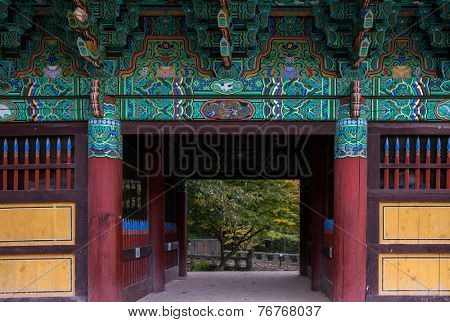 Gateway entrance into a temple, Korean architecture