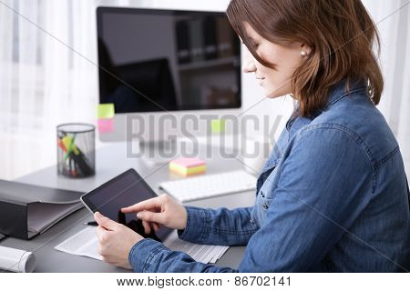 Young Businesswoman Surfing The Internet
