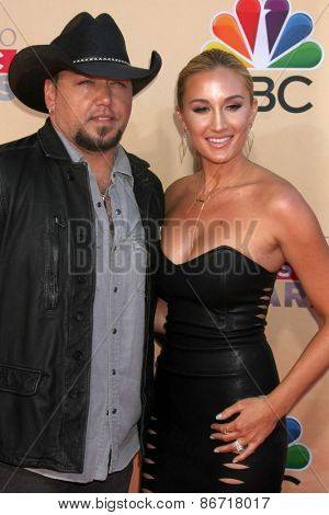 LOS ANGELES - MAR 29:  Jason Aldean, Brittany Kerr at the 2015 iHeartRadio Music Awards at the Shrine Auditorium on March 29, 2015 in Los Angeles, CA