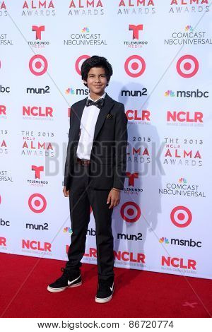LOS ANGELES - SEP 27:  Xolo Mariduena at the 2013 ALMA Awards - Arrivals at Pasadena Civic Auditorium on September 27, 2013 in Pasadena, CA