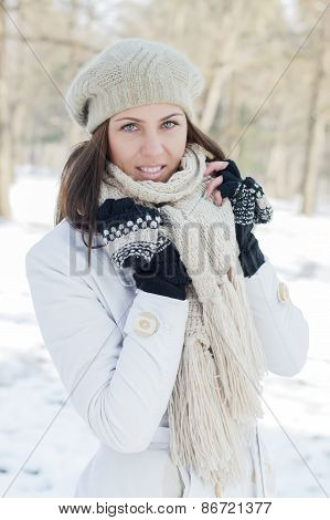 Happy Beautiful Young Woman Winter Saeson