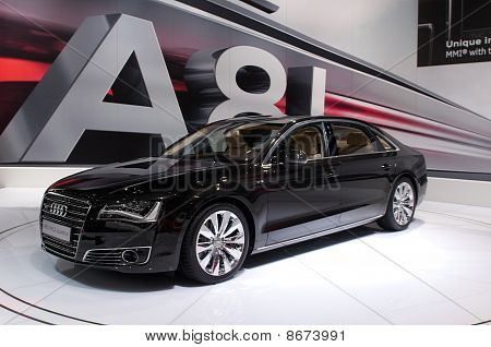 Audi A8 lang - russische Premiere