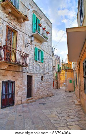 Alleyway. Giovinazzo. Puglia. Southern Italy.