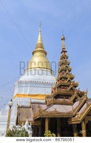 Golden Pagoda At Prakaew Dontao Temple