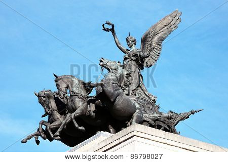 Quadriga placed upon Wellington Arch