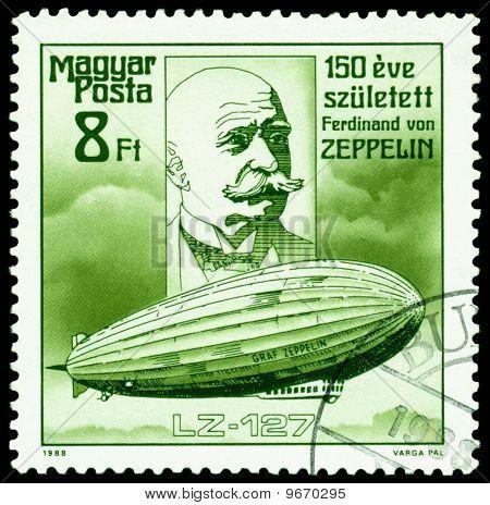 Selo vintage. Ferdinand Von Zeppelin. Dirigível Lz-127.