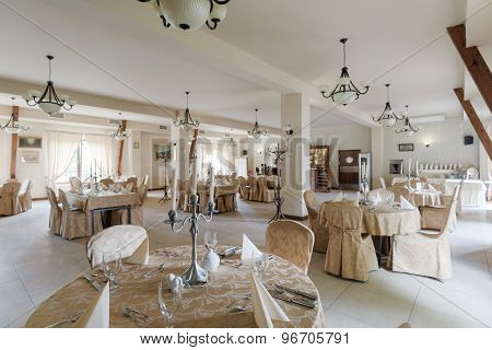 Round Tables In Exclusive Restaurant