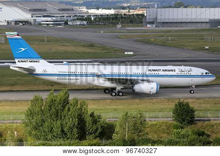 Kuwait Airways Airbus A330-200 Airplane