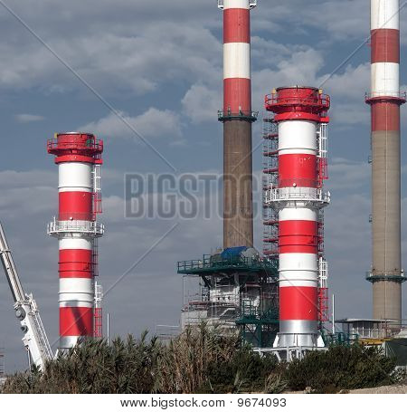 Petrol refinery