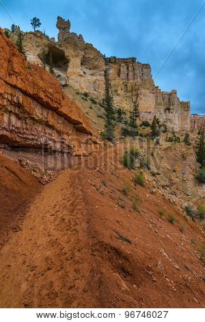 Looking Up The Trail Bryce Canyon Peek-a-boo