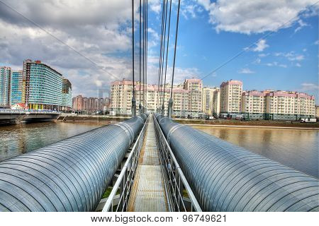 District Heat Pipes Crossing River