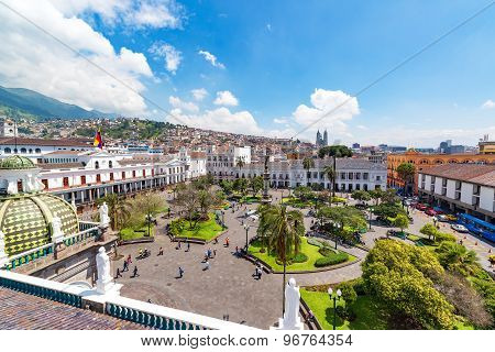 Plaza Grande View In Quito