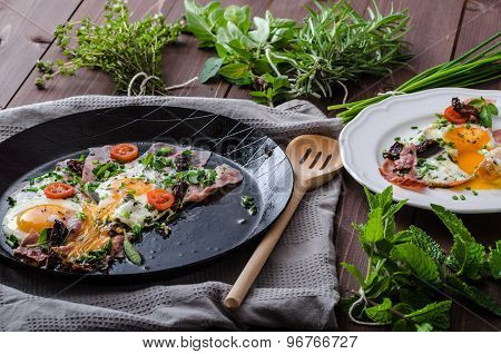Fried Eggs With Ham And Herbs