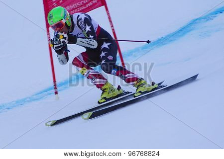 GARMISCH PARTENKIRCHEN, GERMANY. Feb 09 2011: Tommy Ford (USA) whilst competing in the men's super giant slalom race at the 2011 Alpine skiing World Championships