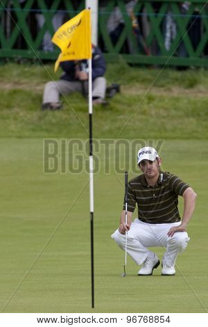 ST ANDREWS, SCOTLAND. July 18 2010: Louis OOSTHUIZEN from South Africa lines up the winning putt on his way to winning The Open Championship    played on The Royal and Ancient Old Course