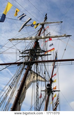 Mast & Flags