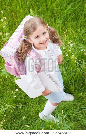 Regreso a la escuela - niña listo para la escuela