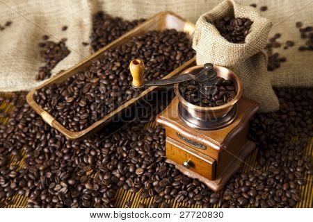 Coffee grinder, Old fashioned coffee