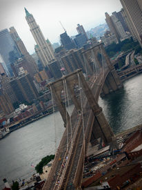 picture of brooklyn bridge  - A shot of the Brooklyn Bridge in NYC - JPG